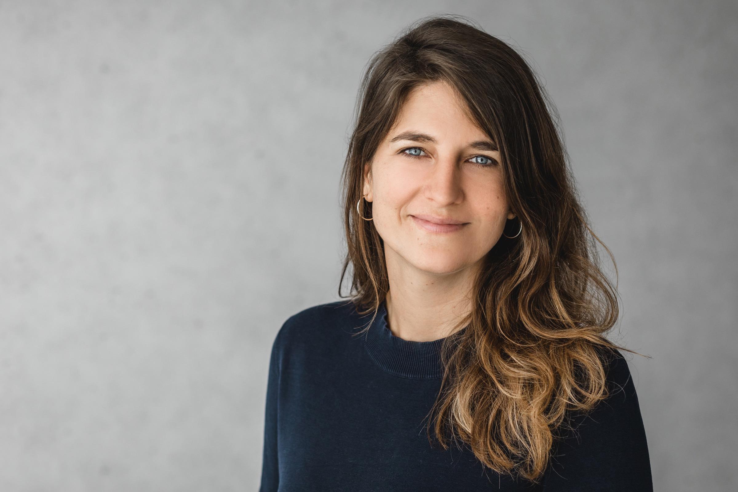 Omara Evertz - Für eine neu gelebte Weiblichkeit - Home Portrait